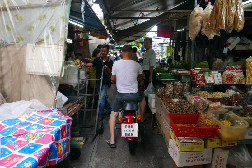 12. chinese market 1